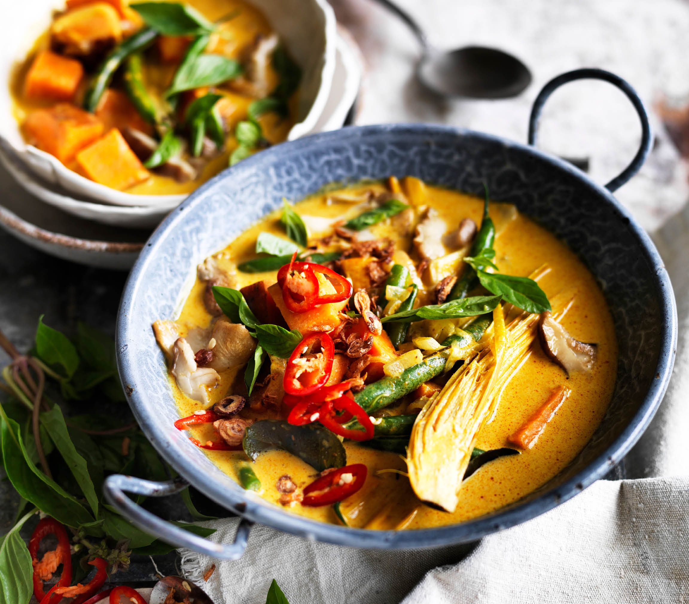 CH4801_Charter Hall_National_Recipes Winter 2019_Social Tiles_Thai Curry _Facebook Post_FA